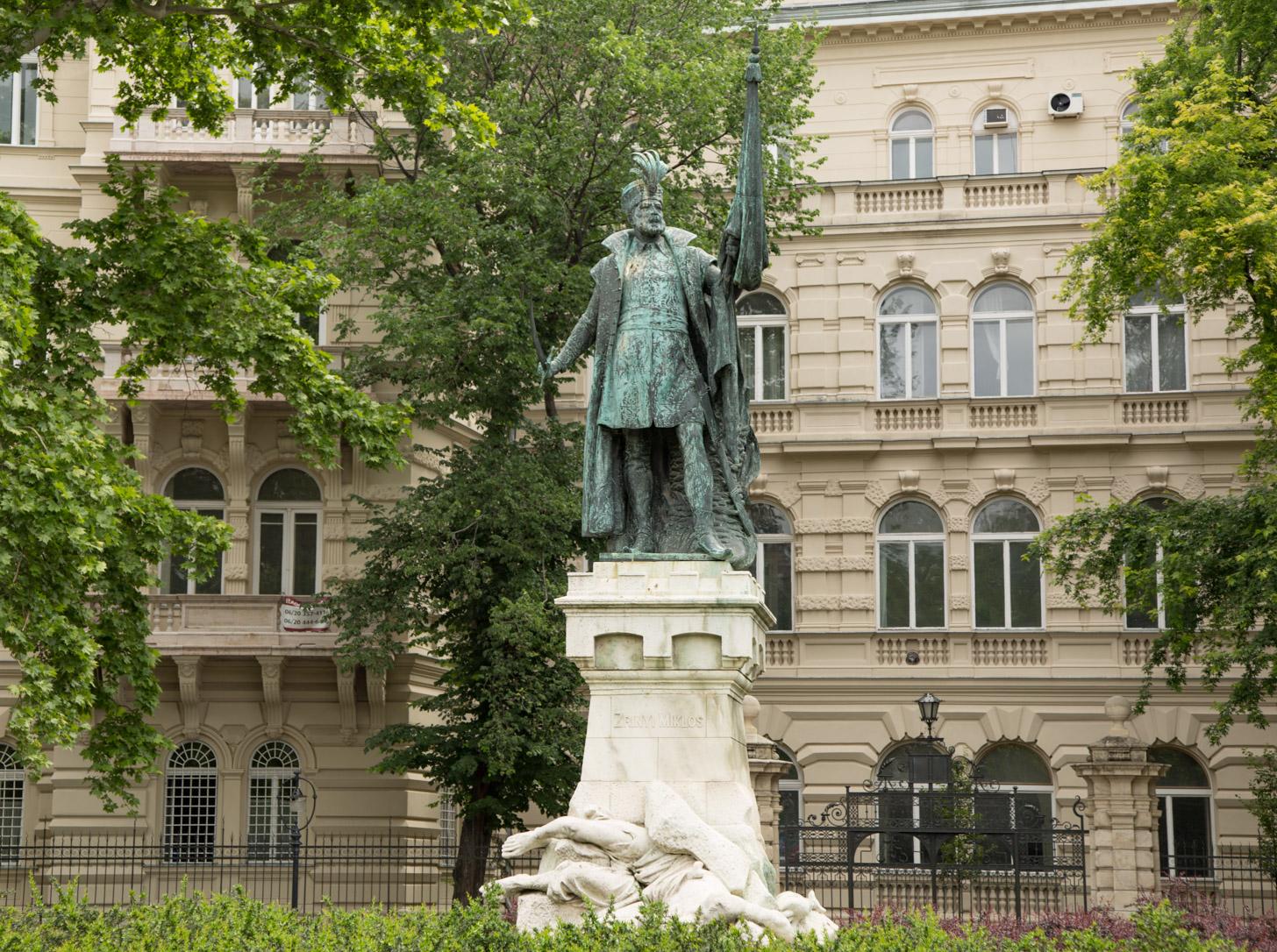 Zrinyi Miklos standbeeld