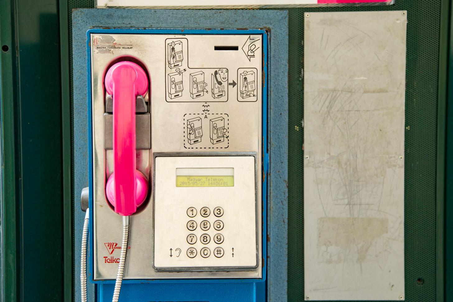 Een openbare telefoon in Boedapest